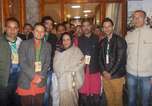 Pratibha singh with organizer of Lok Kala Rang Mahotsav 2013