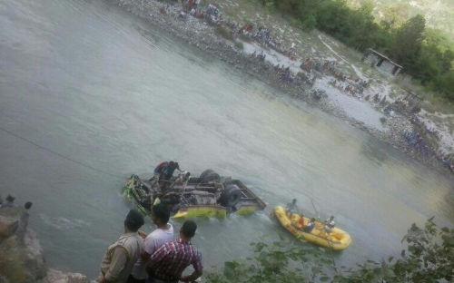bus accident kullu