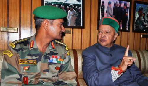 CM interacting with Col. Ashok Arya, Dogra Scout at Samdo