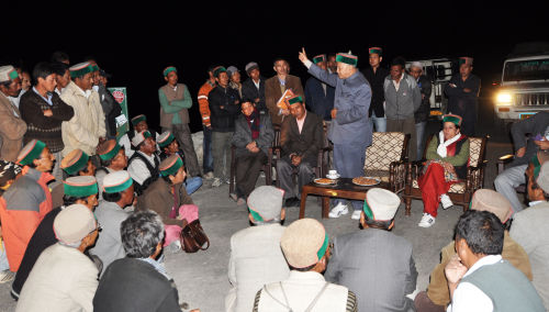 CM talking to the people of LEO village