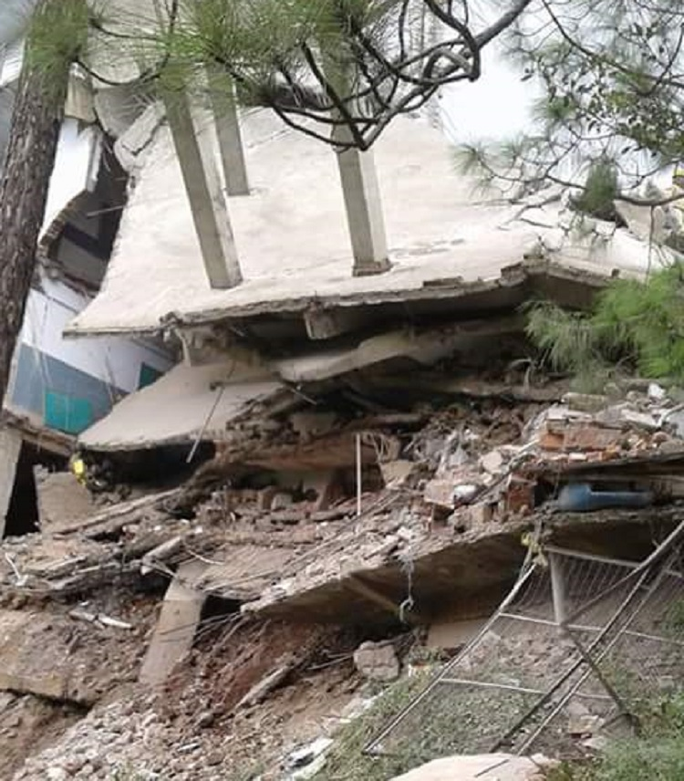 School building collapse in solan